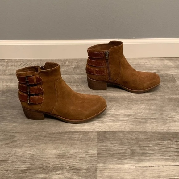8fded7b31b82c Ugg Australia Womens Volta Ankle Boots 7